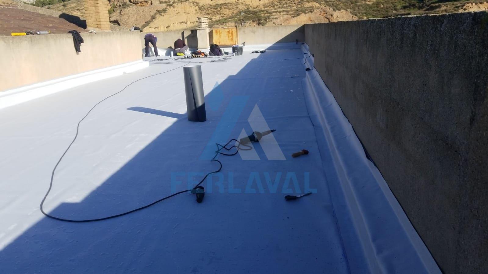Impermeabilización + losa filtrante. Imperemeabilizando con lámina de PVC.